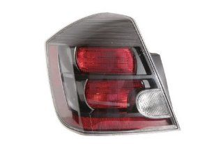 OE Replacement Nissan/Datsun Sentra Driver Side Taillight Assembly (Partslink Number NI2800188) Automotive