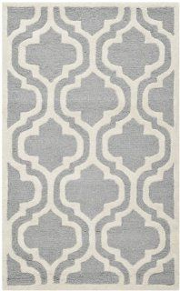 Safavieh Cambridge Collection CAM132D Handmade Wool Area Rug, 4 by 6 Feet, Silver and Ivory