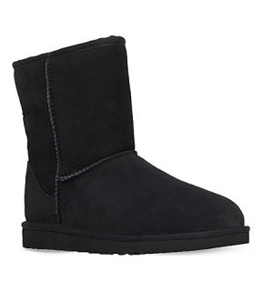 UGG   Classic short sheepskin boots 8 10 years