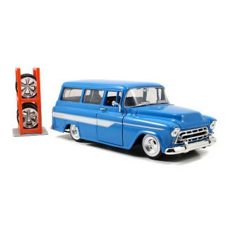 Jada Toys 124 Scale Just Trucks Diecast   1957 Chevy Suburban    Jada Toys, Inc.